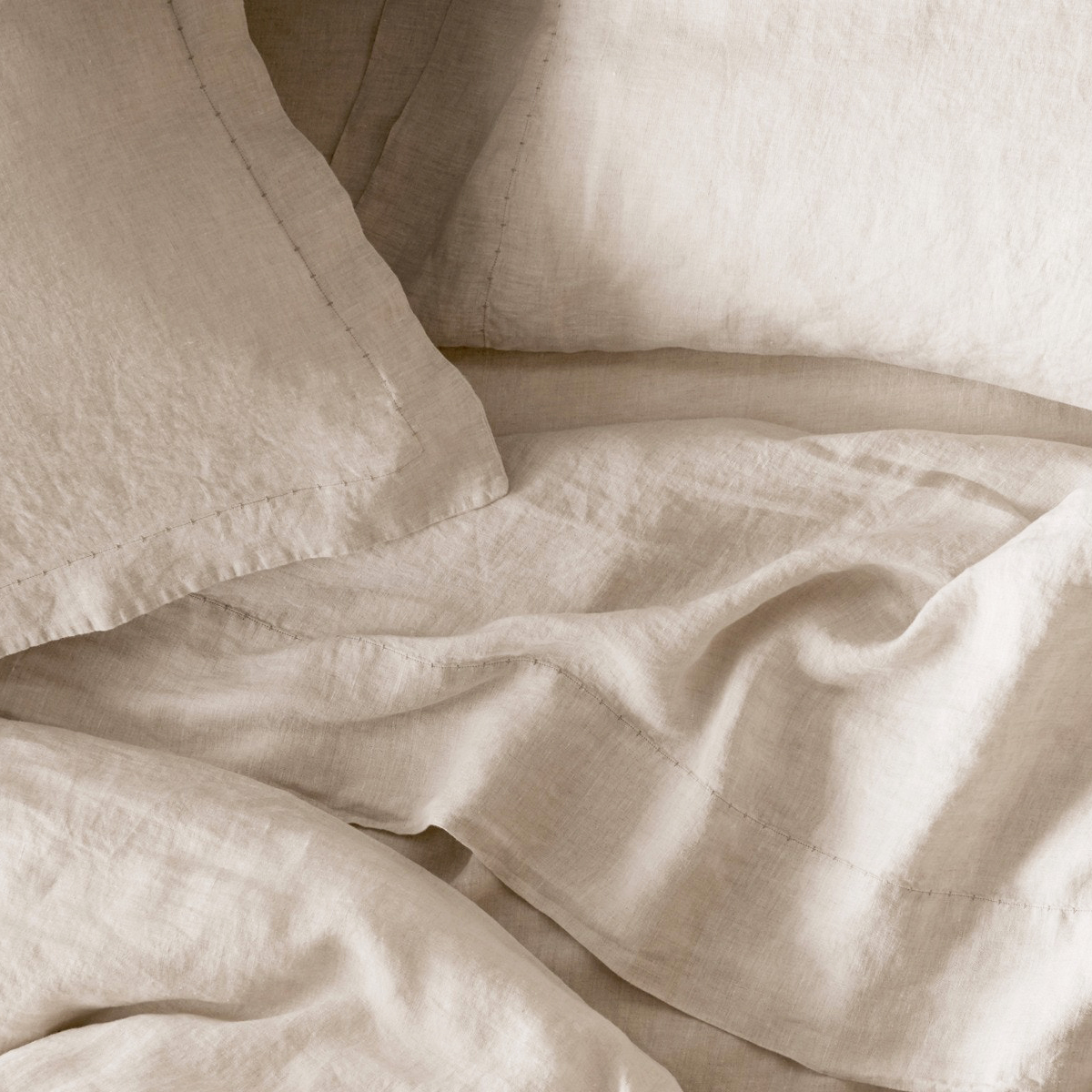 Organic Relaxed Linen Sheet Set in Natural by Coyuchi